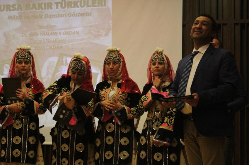 Bursa Bakır Türküleri ve halk dansları gösterisi İzmir'de can buldu