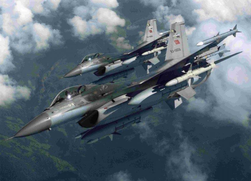 Türk jetleri Suriye helikopterini vurdu
