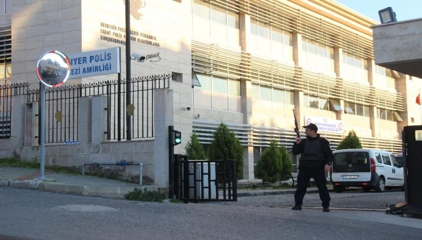 İzmir'de bulunan kayıp kızların aileleri bekleniyor