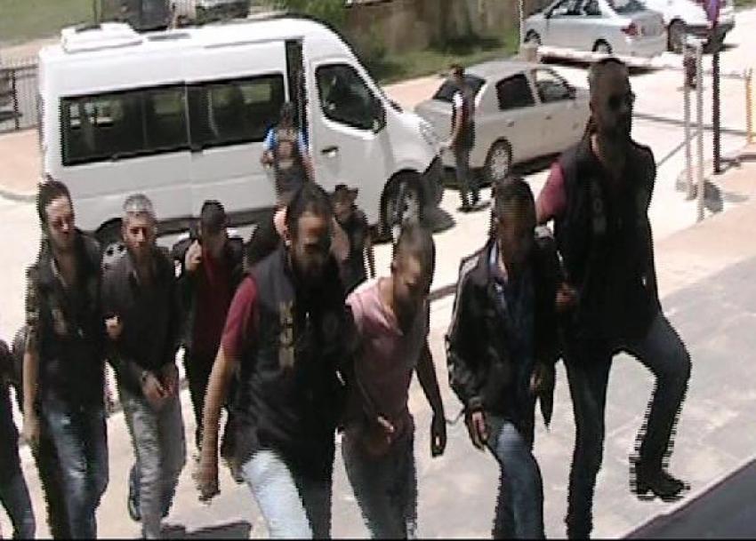 İki kentte uyuşturucu operasyonu: 22 gözaltı