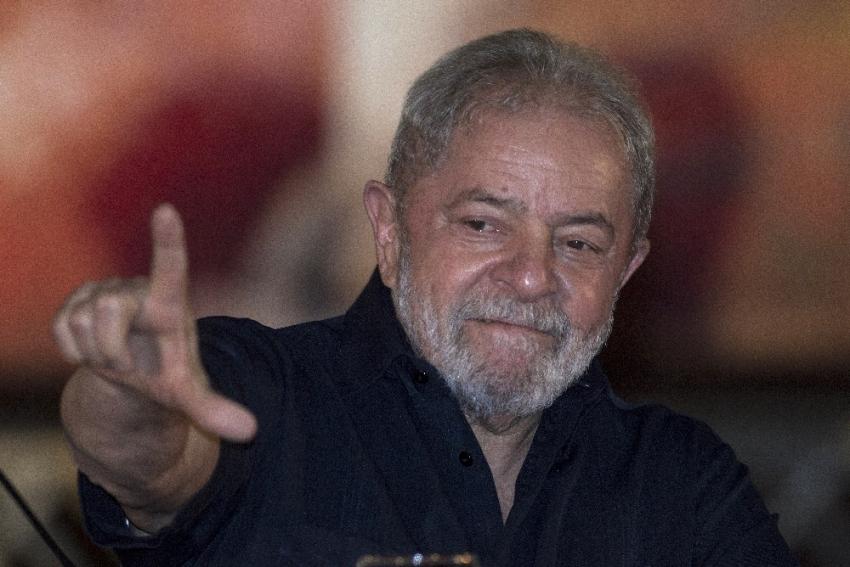 Lula devlet başkanlığı adaylığından çekildi