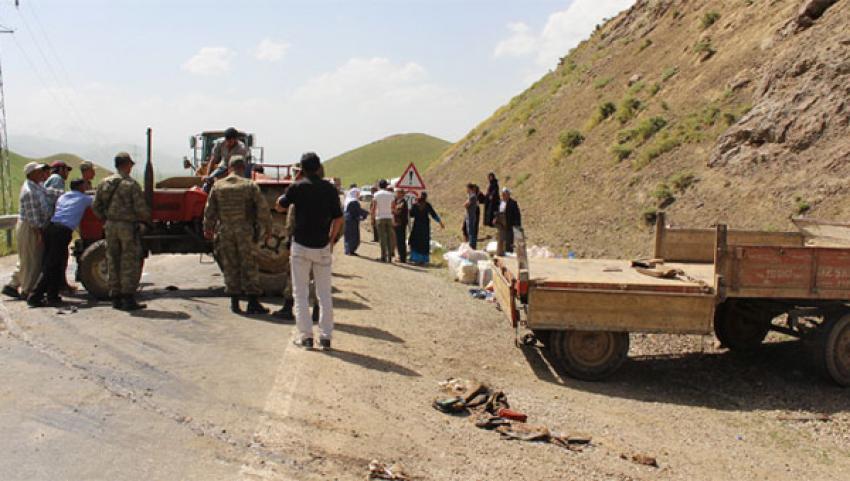 Traktör devrildi: 29 yaralı