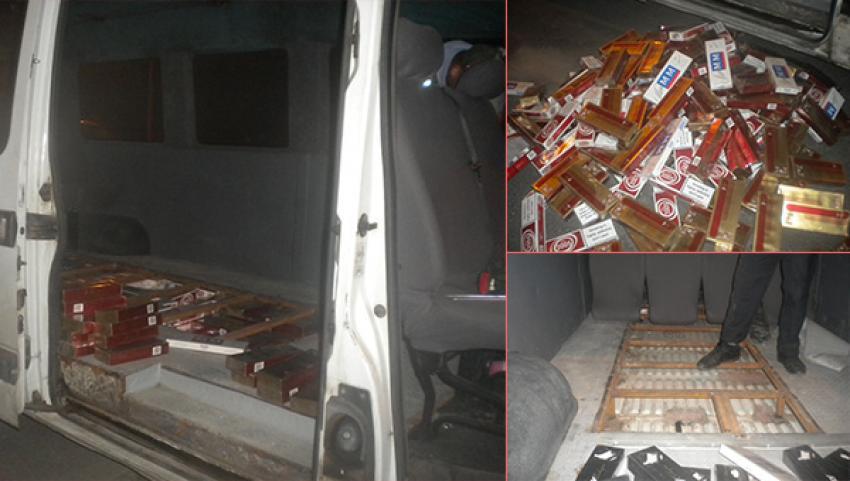 Minibüsün zulasında 5 bin paket kaçak sigara ele geçti