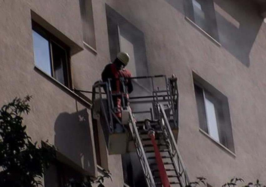 10 katlı apartmanda yangın paniği