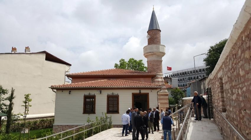 Restorasyonu tamamlanan Davutağa Camii yeniden ibadete açıldı