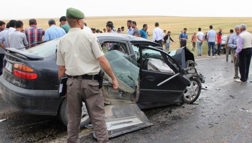 Diyarbakır'da kaza: 2 ölü, 14 yaralı
