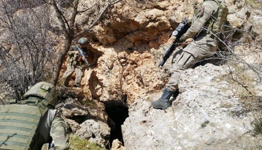 Hainlerin mağara ve barınakları imha edildi