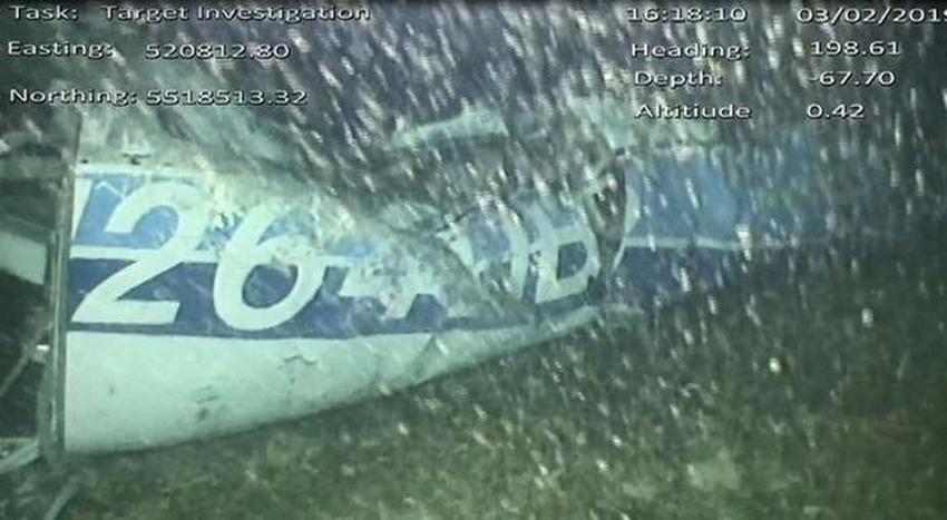 Uçak enkazında bir ceset bulundu