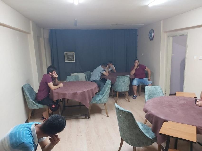 Bursa'da kumar oynarken basıldılar...
