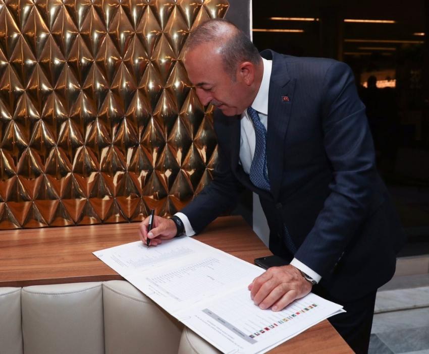 İlk imzalayan Türkiye oldu