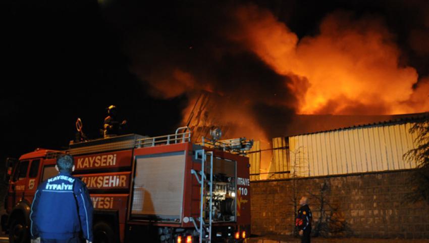 Organize Sanayi Bölgesinde korkutan yangın!