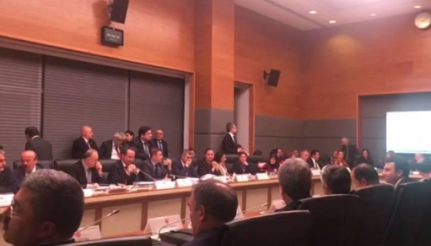 Yedek milletvekilliği anayasa teklifinden çıkarıldı