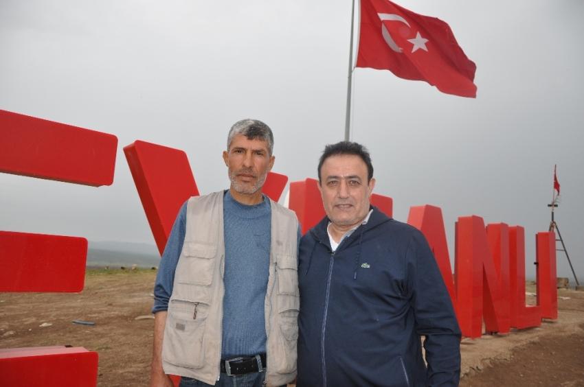 Mahmut Tuncer'den Mehmetçiğe destek