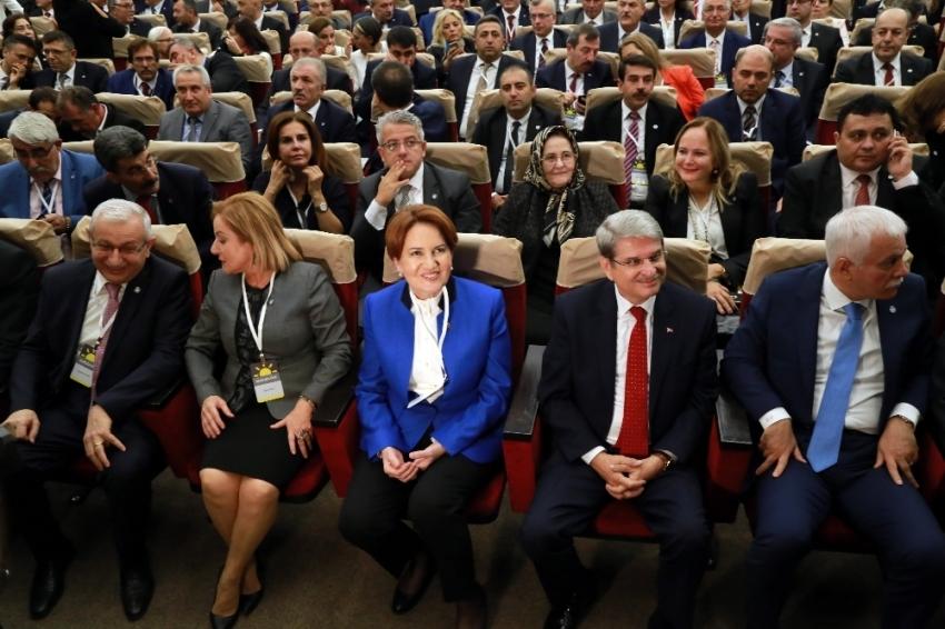 İYİ Parti'de istifalar sürüyor