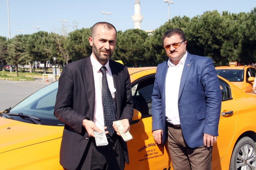 Taksi şoföründen örnek davranış