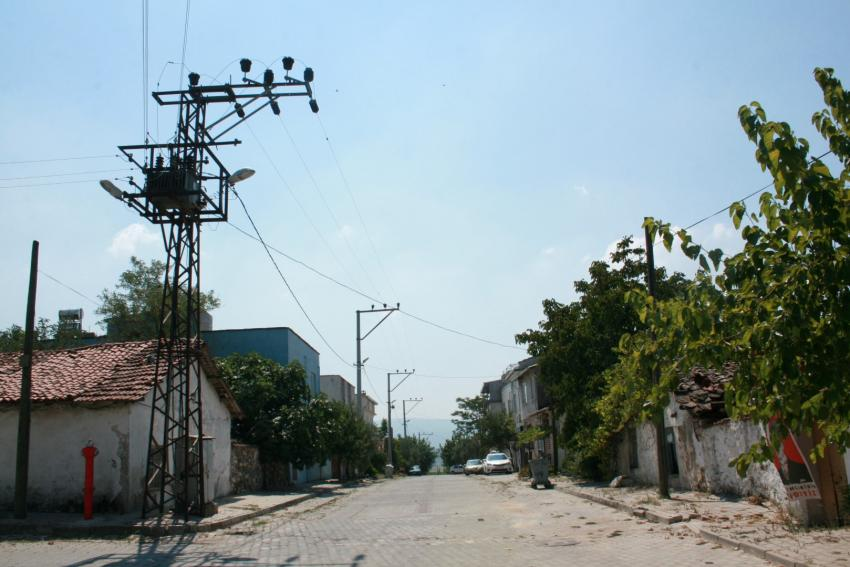 Nilüfer'de elektrik işkencesi! UEDAŞ sonunda isyan ettirdi