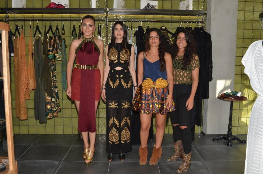 Moda tasarımcısı Raisa&Vanessa Sosan kardeşler ile sosyetik güzel Ceylan Çapa rüzgarı Bursa'da esti