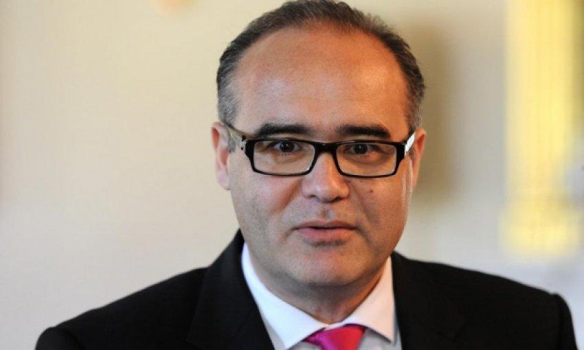 Avustralyalı Türk Bakan görevden alındı