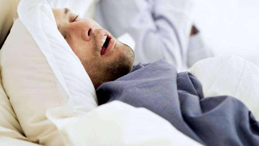 """""""Uyku apnesinde horlamayı küçümsemeyin"""""""