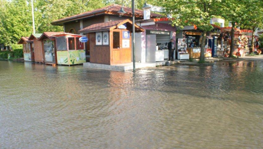 Sapanca sular altında kaldı