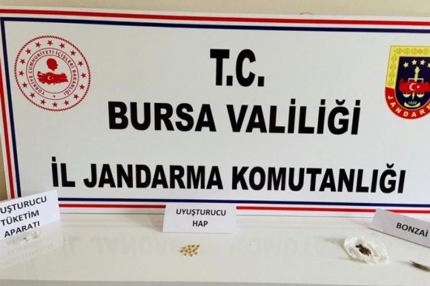 Bursa'da yasağa uymayan gencin üzerinden uyuşturucu çıktı