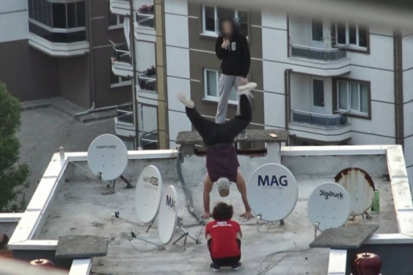 Bursa'da 6. katta çılgın gösteri