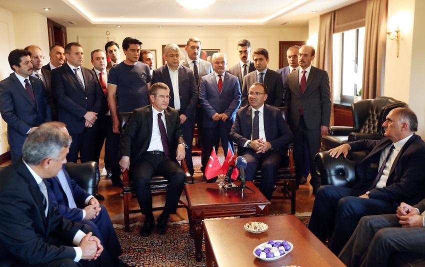 Nurettin Canikli, Başbakan Yardımcılığı görevini Bekir Bozdağ'a devretti