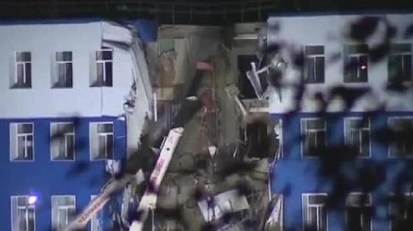 Rusya'da askeri bina çöktü! 23 ölü