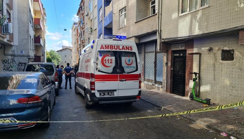 Yangın çıkan evde kadın ölü, kocası ise bilekleri kesik halde bulundu