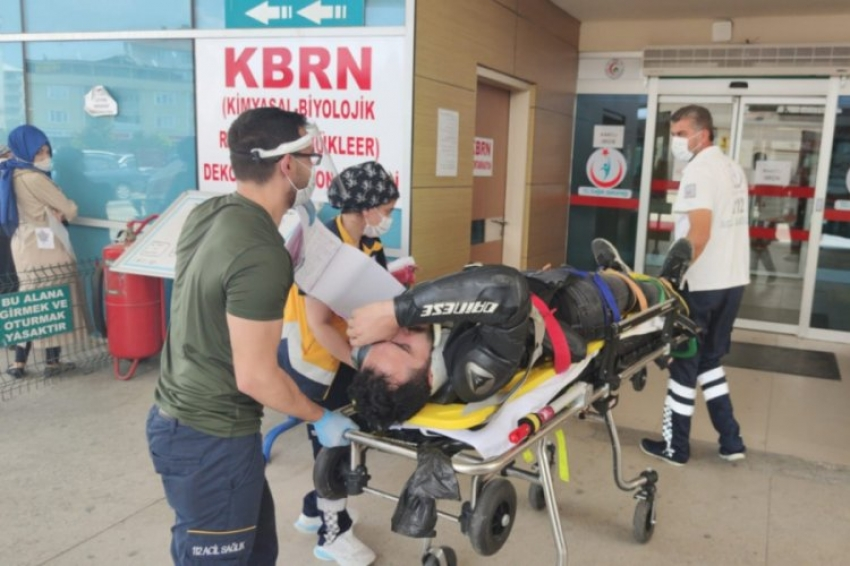 Bursa'da motosiklet aldıktan 2 saat sonra yaptığı kazada kolu kırıldı
