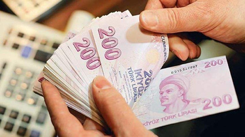 Üniversite öğrencilerine 950 lira maaş