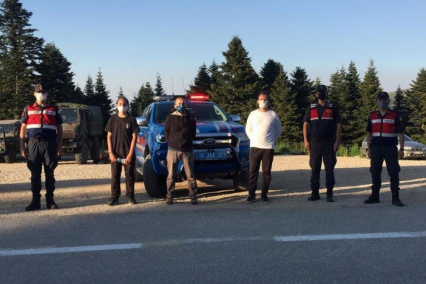 Uludağ'da yürüyüş yaparken yollarını kaybeden 3 kişi bulundu