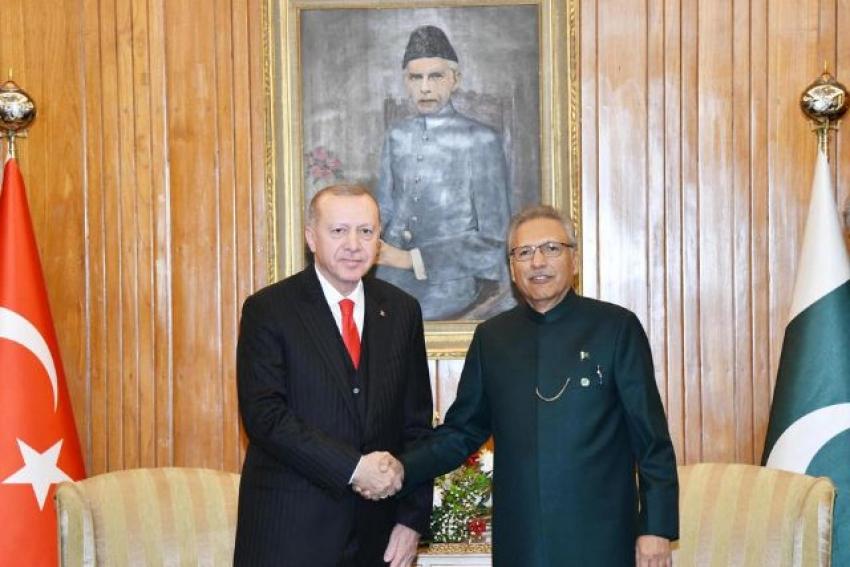 Pakistan Cumhurbaşkanı ve Başbakanından Pakistan Milli Günü mesajı
