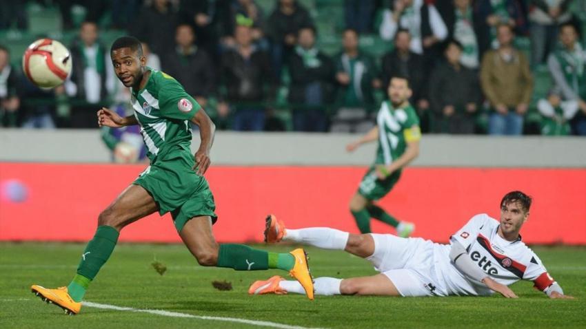 Lazio, Bakambu ile ilgileniyor