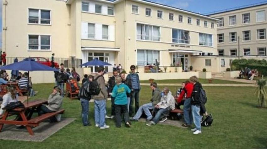 İngiltere'de şoke eden olay! 4 okulda oruç yasağı