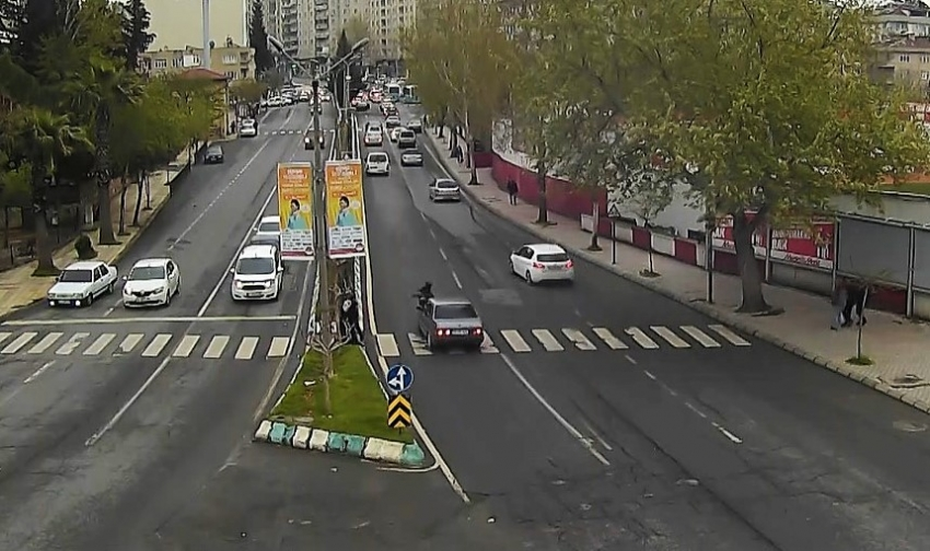 Trafik kazaları MOBESE kameralarına yansıdı