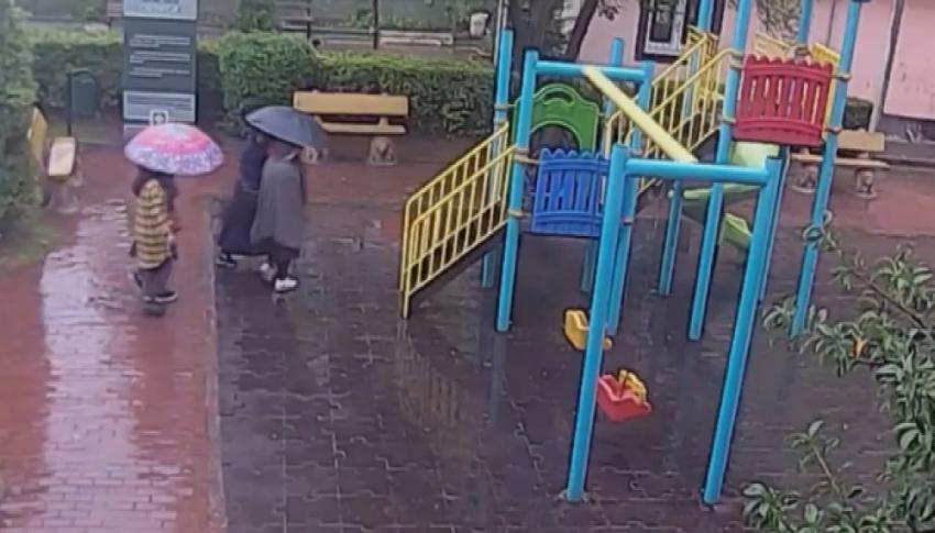 Şemsiyeli suç makinaları yakalandı