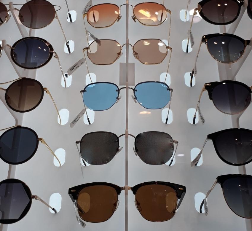 Kalitesiz gözlüklerde risk büyük