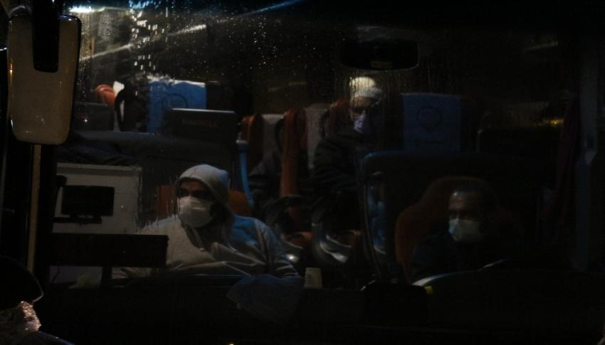 Konya'da test sonucu negatif çıkan umrecilerin tahliyesi başladı