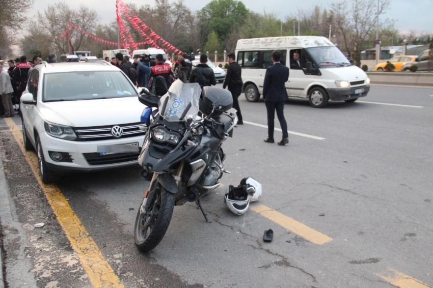Başkent'te Yunus ekibi kaza yaptı: 1 polis yaralı