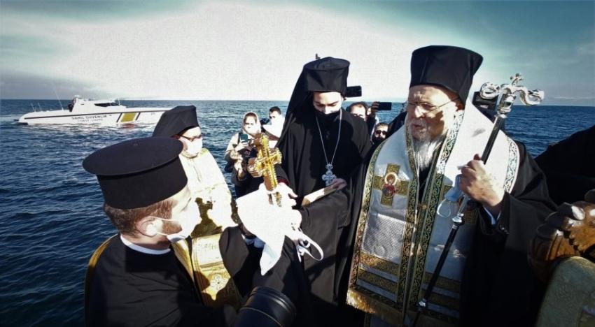 Bursa'da denizden haç çıkarma ayini