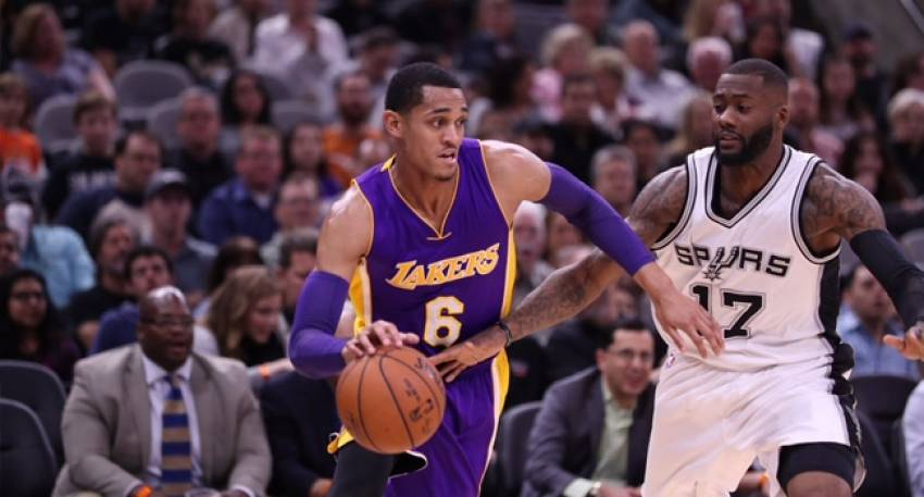 San Antonio'dan Lakers'a 40 sayı fark