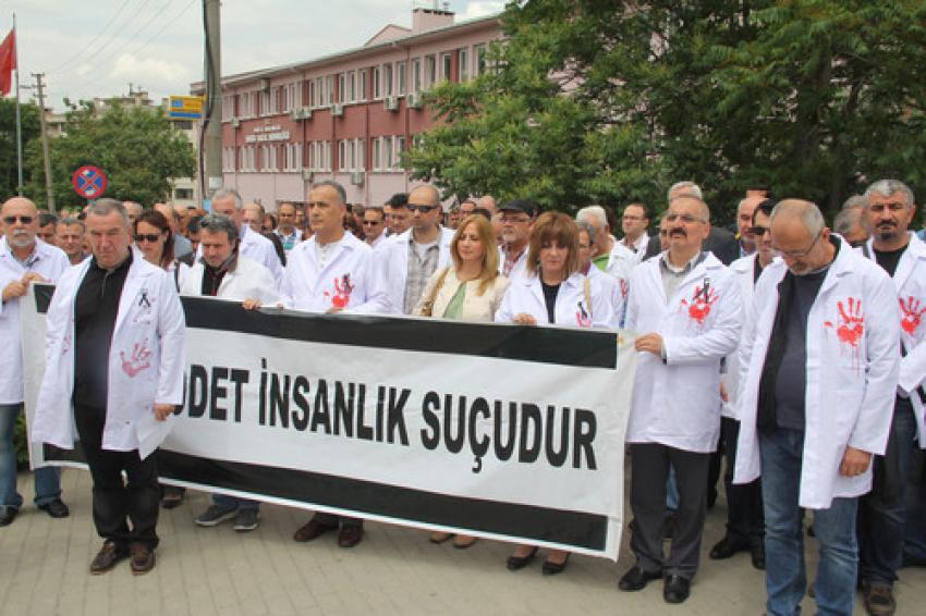 Bursa'da doktorlar ayaklandı