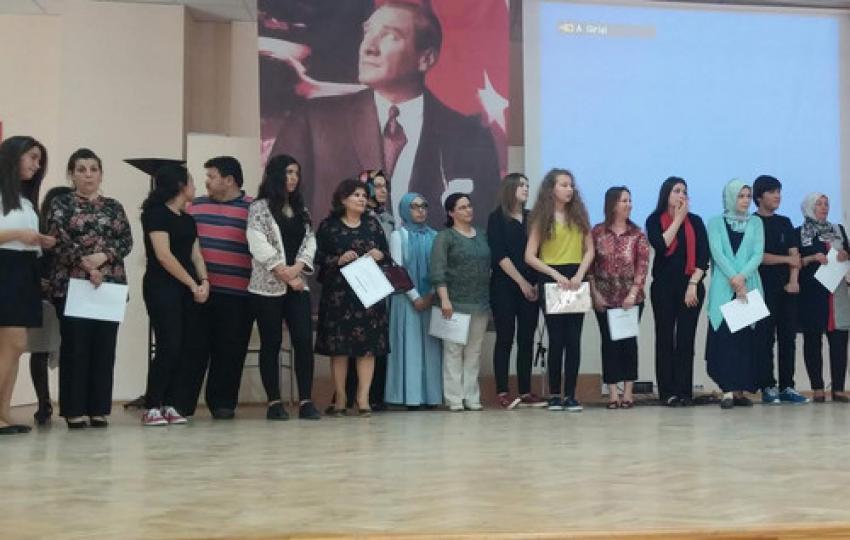 Bursa'da şampiyon öğrenciler ödüllerini aldı