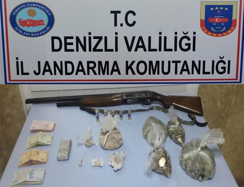 Jandarma 656 gram eroin ele geçirdi