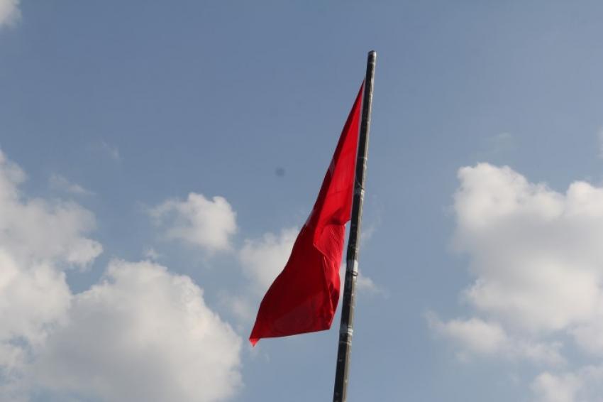 Bursa'da bayraklar yarıya indi