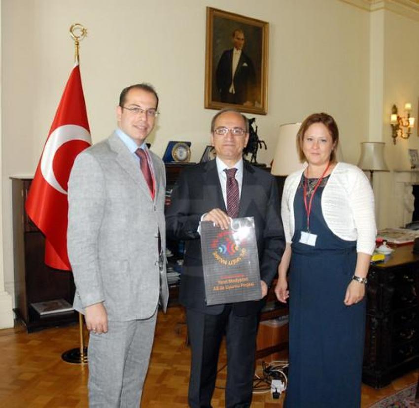 Gazetecilerden Türkiye'nin Londra Büyükelçisi'ne ziyaret