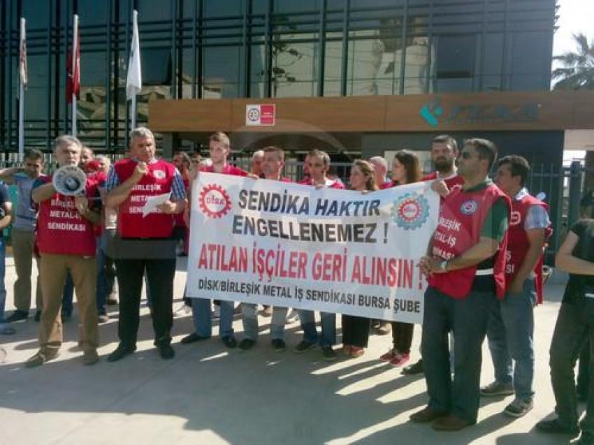 Bursa'da işten atılan işçiler eylem yaptı