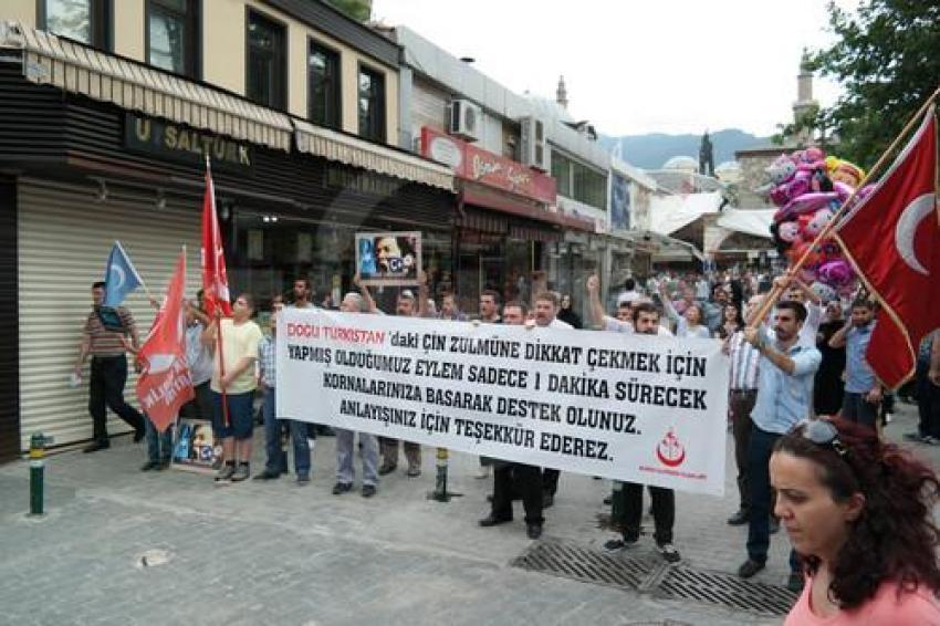 Bursa'da şehir merkezinde trafiği kapattılar!