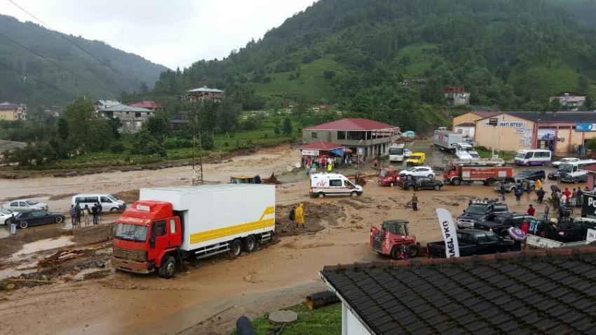 Artvin Hopa'da sel felaketi: 7 ölü, 17 yaralı